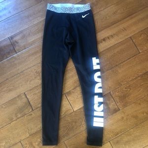 Nike black and white 'Just Do It' long leggings